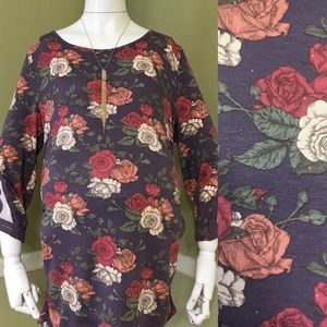 Liz Lange Maternity Purple Floral 3/4 Sleeve Top